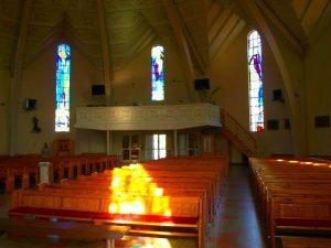 Wyremontowany polski kościół wyposażony w nowoczesną kompaktową nagrzewnicę gazową Winterwarm XR ze sterownikiem MTC.